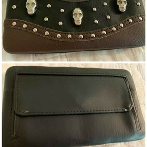 Bags - Nwt skull wallet